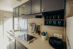 Mobil Home de alquiler en el camping situado en la Costa Dorada. Stacked Washer Dryer, Washer And Dryer, Home Appliances, Cabinet, Navy, Storage, Furniture, Home Decor, House Appliances