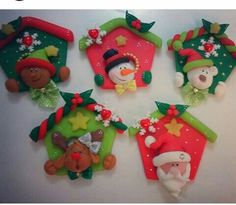 Weihnachtshäuser Polymer Clay Ornaments, Polymer Clay Figures, Fimo Clay, Polymer Clay Projects, Felt Ornaments, Noel Christmas, Christmas Ornaments, Salt Dough Decorations, Barn Wood Crafts