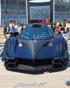 Bmw Cars, Cars Auto, Sports Car Logos, Dubai Cars, Pinewood Derby Cars, Luxury Car Dealership, Car Chevrolet, Diesel Cars, Tuner Cars