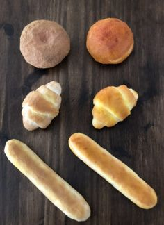 【本物みたいなバターロールパン スクイーズの作り方】おうちで余った枕やクッションでスクイーズ作りを子供と楽しもう♪ | 雪見日和 Squishies, Sweet Potato, Toy Diy, Rolls, Potatoes, Vegetables, Food, Buns, Potato