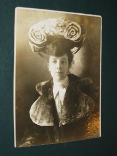Original 7x9 Photo LADY WOMAN in Fancy FUR COAT & HAT Alliance Ohio 1910's OH