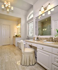 Before & After: A Bachelor's Dated Bathroom Gets a Contemporary Refresh
