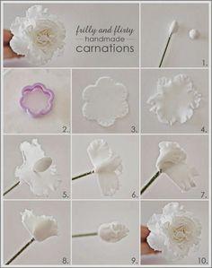 48 New ideas cupcakes fondant flores gum paste Sugar Paste Flowers, Icing Flowers, Fondant Flowers, Clay Flowers, Fondant Rose, Fondant Baby, Ceramic Flowers, Art Flowers, Edible Flowers