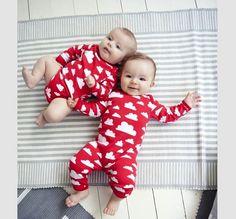 Mutlu olmak için sevdiklerinize kartpostal göndermeyi unutmayın. sosyalposta.com
