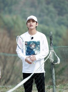 Credit to the owner. Do not delete. #V #Taehyung #뷔 #태형