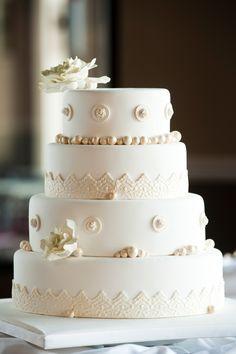 Wedding Cake @ Camden on the Lake Resort