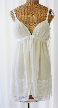 899d138d5e Chantilly White Lace Babydoll Nightgown by Voilavintagelingerie Vintage  Bridal