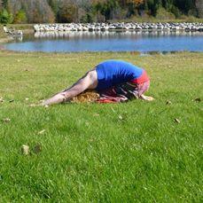 Digestive yoga pose by Lisa at Suntwine Yoga