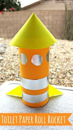 Toilet Paper Roll Rocket Craft for Kids! #Recycled art project #Tp tube #Rocket ship | CraftyMorning.com
