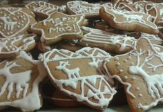 Startlap - www. Gingerbread Decorations, Gingerbread Cookies, Xmas Food, Christmas Baking, Cookie Recipes, Dessert Recipes, Xmas Dinner, Hungarian Recipes, Tapas