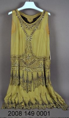 1915-1925 Beaded Green Silk Crepe Dress | collections.mohistory.org