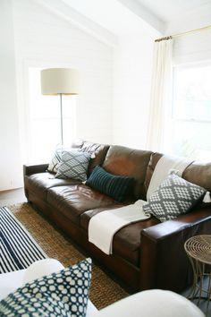 Leather Sofa Roundup on Little Green Notebook #cocinaspequeñascerradas
