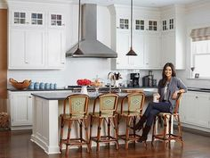 Tour Katie Lee's Country Kitchen Kitchen Layouts With Island, Modern Kitchen Island, Country Kitchen, Katie Lee, The Kitchen Food Network, Professional Kitchen, Contemporary Kitchen Design, Food Trends, Kitchen Styling