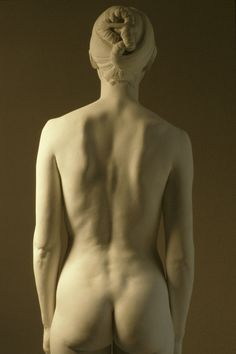 white - woman (back) - figurative sculpture - Isabel McIlvain Figure Reference, Body Reference, Anatomy Reference, Photo Reference, Art Du Monde, Art Sculpture, Clay Sculptures, Grafik Design, Life Drawing