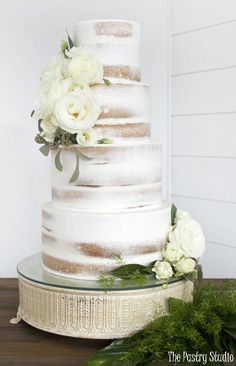 Featured Wedding Cake: The Pastry Studio; www.thepastrystudio.com; Wedding cake idea. #weddinginspiration