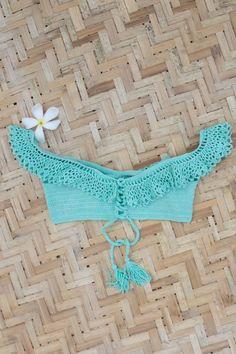 Ganchillo hecho a mano de alta calidad croptop «Reina» combinar fácilmente con cualquier nuestro panty o bikini Puede ser una taza, Push-up o sin.  Muy suave, acogedor y hermoso.   Usted puede elegir cualquier color y tamaño! ====================  OPCIONES DE TAMAÑO:  XS - 34 - A / B taza S - 36 - A / B taza M - 38 - Copa B y C L - 40 - Copa C/D  Si usted necesita otro tamaño de ...