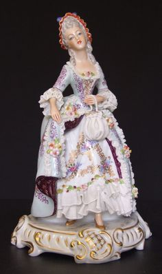 .Porcelain Figurine of Lady