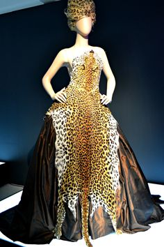 """""""Leopard skin"""" beaded evening gown with rhinestone """"claws"""" – Russia collection, haute couture fall/winter 1997-1998"""