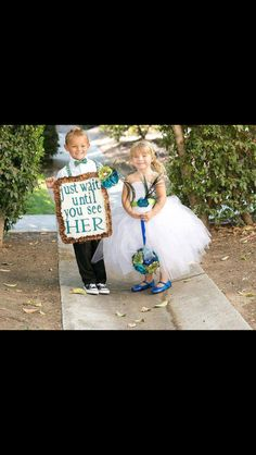 Very cute ring bearer and flower girl idea