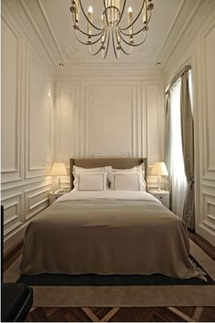 The House Hotel offers design and luxury hotels in Nisantasi, Bosphorus, Karakoy and Cappadocia. Dream Bedroom, Home Bedroom, Bedroom Decor, Master Bedroom, Narrow Rooms, Wall Molding, Molding Ideas, Panel Moulding, Tiny Spaces
