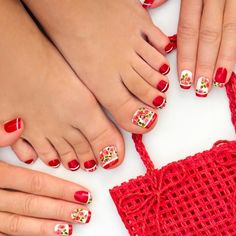 Cute Manicure And Pedicure Designs With Flowers ❤ Learn How To Do Manicure And Pedicure In No Time ❤ See more ideas on our blog!! #naildesignsjournal #nails #nailart #naildesigns #toes #toenails #manicureandpedicure #pedicure How To Do Manicure, Manicure And Pedicure, Pedicure Designs, Toe Nail Designs, Bling Acrylic Nails, Pretty Nail Designs, Rainbow Hair, Winter Nails, Toe Nails