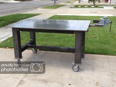 welding table plans or ideas Welding Shop, Diy Welding, Welding Crafts, Metal Projects, Welding Projects, Welding Ideas, Art Projects, Welding Bench, Welding And Fabrication