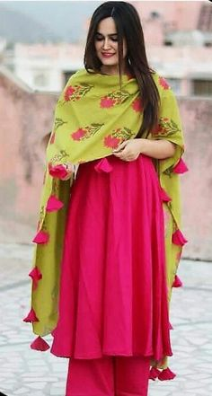Casual Wear Women, Suits For Women, Indian Party Wear, Indian Wear, Western Dresses, Indian Dresses, Indian Outfits, Indian Style, Indian Ethnic