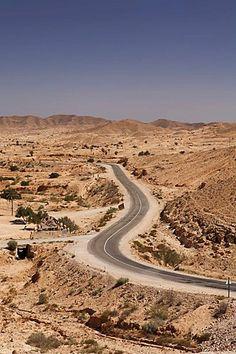 Road near Matmata, Tunisia, Maghreb region, North Africa, Africa