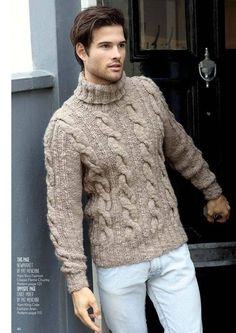 Fall fashion inspiration with a tan cableknit turtleneck combo with light wash denim. Hand Knitted Sweaters, Sweater Knitting Patterns, Hand Knitting, Handgestrickte Pullover, Mens Fur, Look Man, Stylish Men, Pulls, Men Sweater