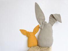A l'occasion de Pâques, Petit picotin vous présente son lapin enchanté pour les beaux rêves de bébé et célestin le lapin <3