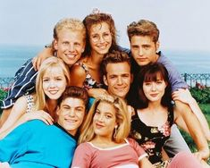 Created by Darren Star. With Jason Priestley, Shannen Doherty, Luke Perry, Jennie Garth. A group of friends living in Beverly Hills, California make their way through life from their school days into adulthood. Jason Priestley, Brian Austin Green, Jennie Garth, Scary Movie 2, Movie Tv, Old Tv Shows, Best Tv Shows, Favorite Tv Shows, Movies And Tv Shows