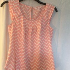 Sleeveless top Light pink and white sleeveless spring/  summer top Candie's Tops Blouses