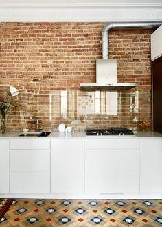 cocina con frente de vidrio - Construcción en seco: ideas para reformar tu cocina sin hacer obras