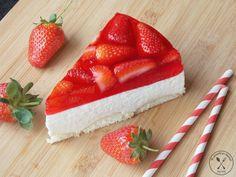 Kliknij i przeczytaj ten artykuł! Food N, Food And Drink, Polish Recipes, Polish Food, Toffee, Pesto, Cheesecake, Strawberry, Cooking Recipes