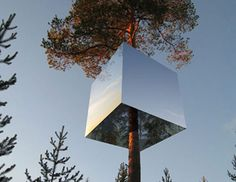 Tree hotel concept by Swedish architects Tham and Videgard Hansson. The mirrored surfaces blends this cool design into the environment. The tree hotel with a small kitchen, terrace, living area and sleeping area is good enough to spend a small, or even an extended vacation, away from the hustle and bustle of crowded city life.