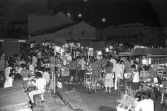 ORCHARD ROAD CAR PARK (GLUTTON'S SQUARE) FOODSTALLS. SOME 30 HAWKER STALLS HAVE MOVED FROM THE ORCHARD ROAD CAR PARK TO A NEW HAWKER'S CENTRE AT NEWTON. WITH THEIR DEPARTURE, THERE ARE ABOUT 50 STALLS LEFT AT THE CAR PARK. THEY WILL ALSO EVENTUALLY BE RELOCATED. 1977