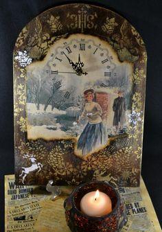 Зимние истории:Часы «Белое Рождество» http://dcpg.ru/blogs/6949/ Click on photo to see more! Нажмите на фото чтобы увидеть больше! decoupage art craft handmade home decor DIY do it yourself clock Materials and techniques: print wax stencil etc.
