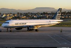 Old logo Mexicana Airbus A320