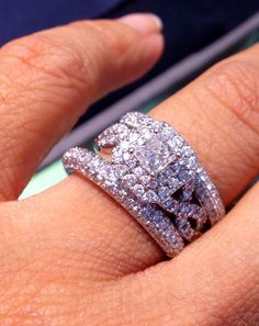 Perfect wedding ring for a perfect engagement one #verawang #love #zales