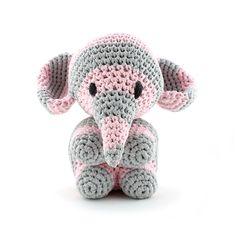 Cute little elephant Mo!! <3  Designed by Oekimoekie. Follow me: www.facebook.com/oekimoekie Pattern available at www.hoooked.nl (in dutch and english)