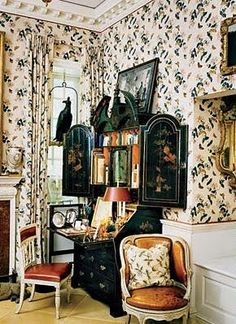 Oscar de la Renta.. kind of love how ridiculously cluttered this feels, yet still livable
