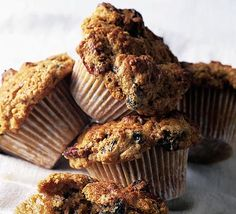 Make classic muffins with this easy recipe, perfect for everyday baking and occasions. Find more cake and baking recipes at BBC Good Food. Spice Muffin Recipe, Muffin Recipes, Breakfast On The Go, Breakfast Bowls, Banana Breakfast, Breakfast Muffins, Cake Mug, Dried Blueberries, Oatmeal Muffins