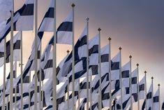 Suomen itsenäisyyspäivää vietetään sunnuntaina 6. joulukuuta. Suomen itsenäisyys herättää valtaosassa kansalaisia positiivisia tunteita, selviää itsenäisyyspäivän alla toteutetusta tutkimuksesta. Empatia-analyytiikkayhtiö NayaDayan tutkimuksen mukaan lähes 80 prosentilla on itsenäisyyttä kohtaan positiivisia tunteita. Tutkimuksen mukaan suomalaiset tuntevat erityisesti ylpeyttä Suomen Blog Entry, Reflection, Mindfulness, My Love, Awesome, How To Make, Youtube, Finland, Consciousness