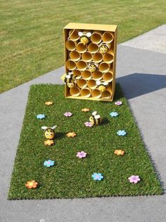 bijtjes storage organization nz - Storage And Organization Bee Crafts, Preschool Activities, Diy And Crafts, Crafts For Kids, Insect Activities, Toddler Activities, Small World Play, Spring Theme, Bugs And Insects