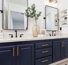Adorable 36 Chic Coastal Beach Bathroom Remodel Ideas To Try