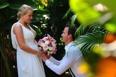 Trouwen bij www.villabuddha.com Bali U huurt onze villa en wij verzorgen uw bruiloft tegen kostprijs op Bali mailto:moniquekru... 0031(0)644538529 € 1495,- per week inclusief personeel. trouwerij van onze gasten