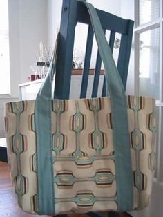 Tutorial: Reversible tote bag - on Craftster PURSES, BAGS, WALLETS