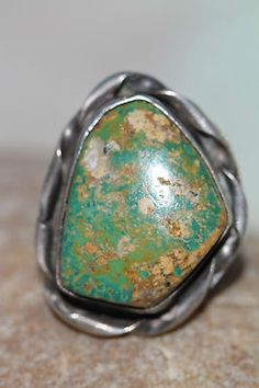VINTAGE SOUTHWESTERN TRIBAL STERLING SILVER & NATURAL TURQUOISE RING