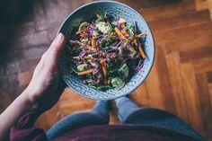 Farebný zeleninový šalát s pistáciami   JEDZ A MILUJ