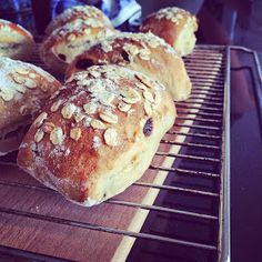 Bread Baking, Food Inspiration, Tapas, Nom Nom, Graham, Muffin, Rolls, Food And Drink, Pizza